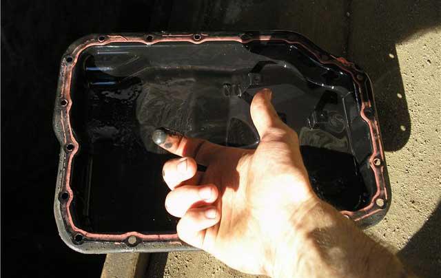 Чистим магниты акпп от стружки