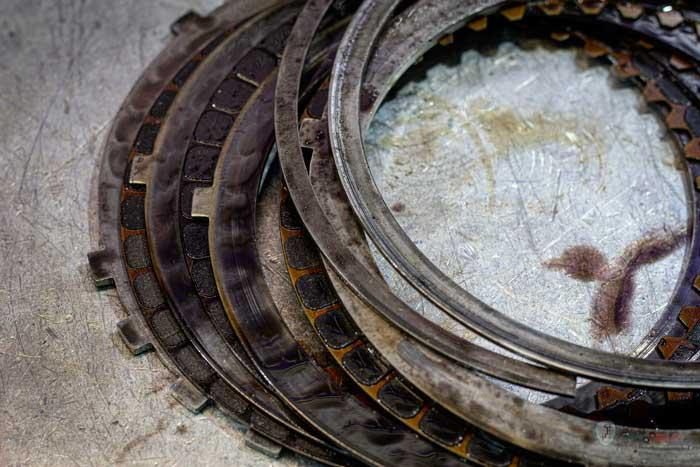 сгоревшие фрикционные диски